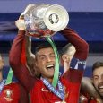 Portugal, Ronaldo and teammates with the Euro 2016 cup