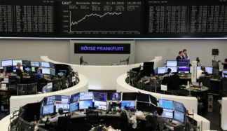 Global Stocks Slip Amid Lack Of Detail On Trade Deal