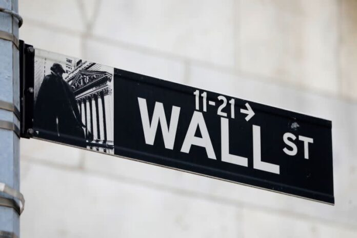 Nasdaq, S&P 500 Hit New Highs As Focus Turns To Earnings, Economic Data