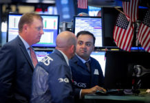 S&P 500 Climbs Toward Record, Marquee Reports In Focus
