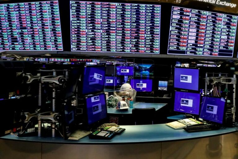 S&P 500, Nasdaq Clinch New Highs On Tech Boost