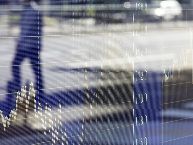 U.S. Stocks Settle Into Narrowest Range Since 2019: Markets Wrap