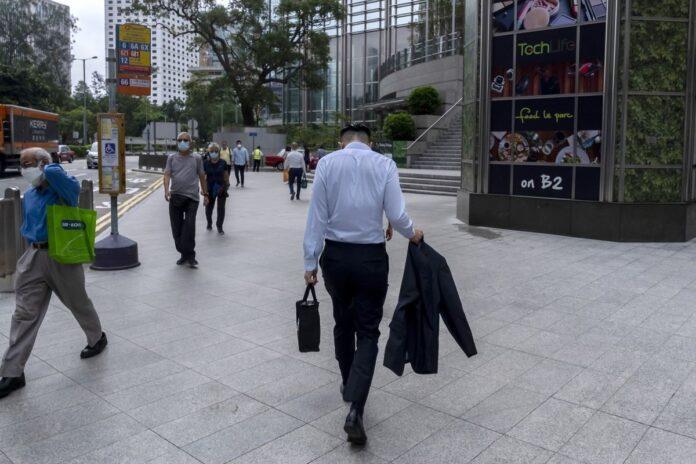Tech Selloff Batters U.S. Indexes; Nasdaq Falls 2%: Markets Wrap