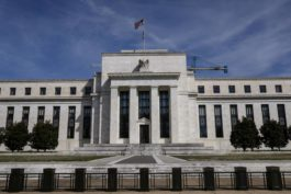 Strong U.S. Growth, Weak Inflation Leave Fed Stuck Happily On Hold