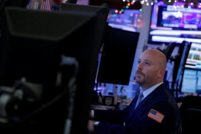 Wall Street higher as Apple leads tech rally
