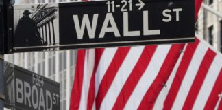Wall Street Retreats As Crude Slump Batters Energy Stocks
