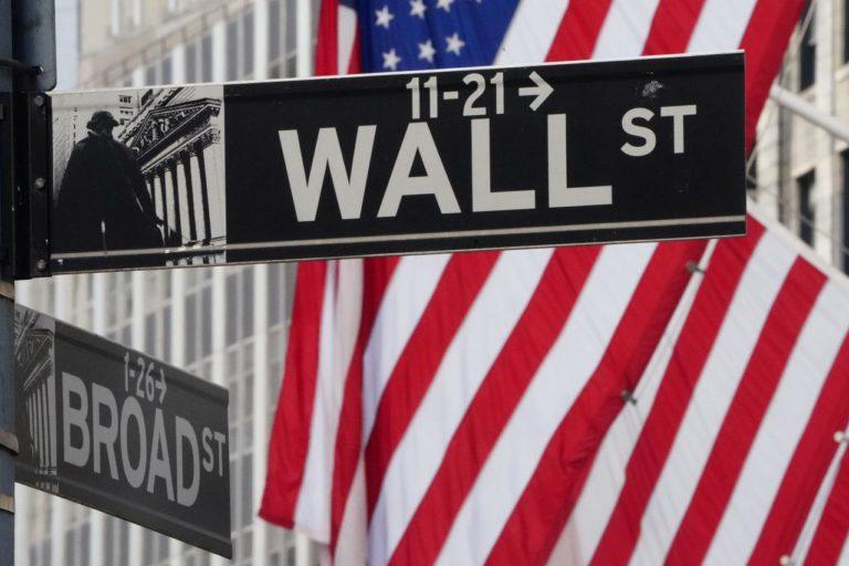 Retiros de Wall Street Mientras la Caída del Petroleo Bate las Reservas de Energía