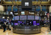 Wall Street Jumps As Tech, Bank Shares Gain