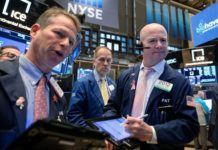 Wall Street Rebounds On Holiday Season Hopes