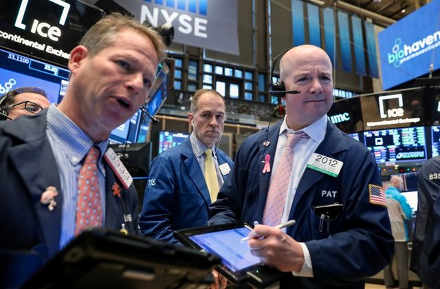 Wall Street Rebounds On Holiday Season Hopes
