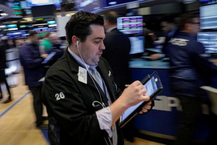Tech stocks help Wall Street higher